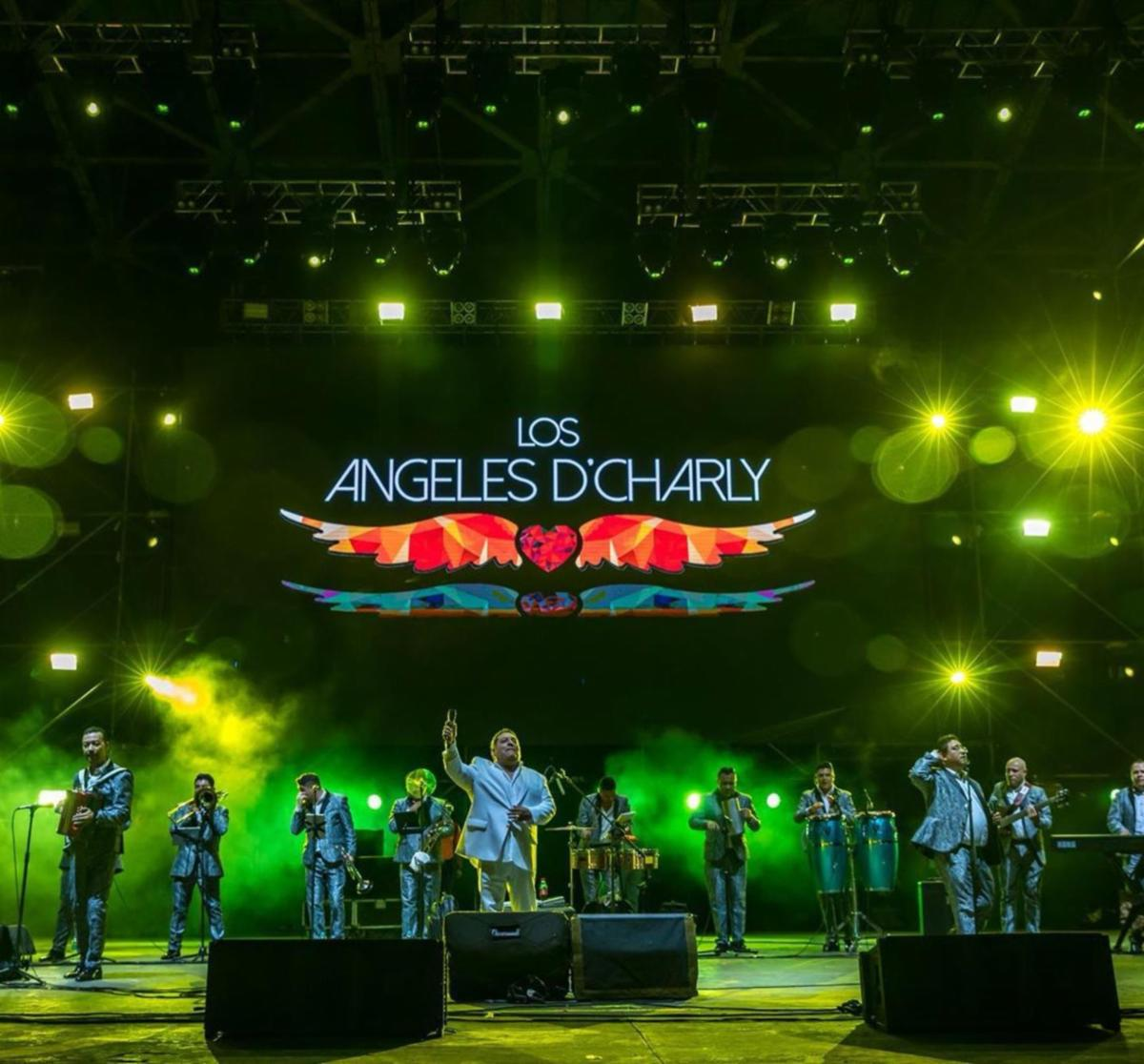 Los Angeles De Charly - Tour